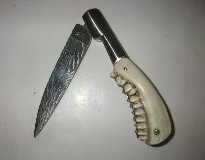 Couteau machoire chevreuil.