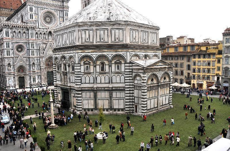 Italianizzazione piazza del duomo firenze for Piazza duomo prato