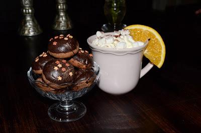 Kakor och varmchoklad