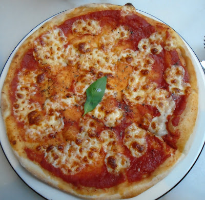Pizza express margherita pizza