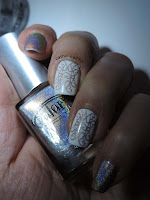 http://cathenail.blogspot.fr/2013/03/inspiree-par-chitchatnails.html