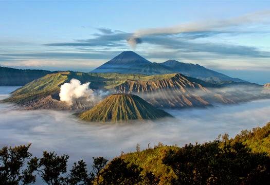 Gambar Pemandangan Gunung di Alam Indonesia