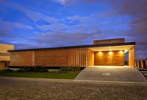 Casa Ro by Alexanderson Arquitectos