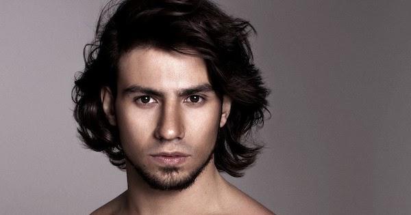 Ensaio sensual do cantor Mariano faz sucesso na internet