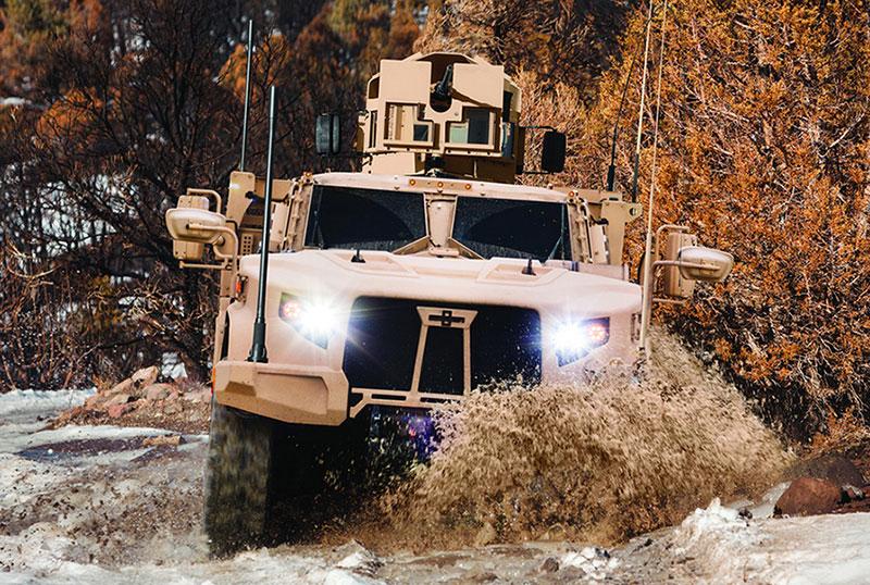 النظام CORE 1080 لحماية أطقم المركبات: ثلاثة مجالات للحماية Oshkosh-Defense-JLTV-1