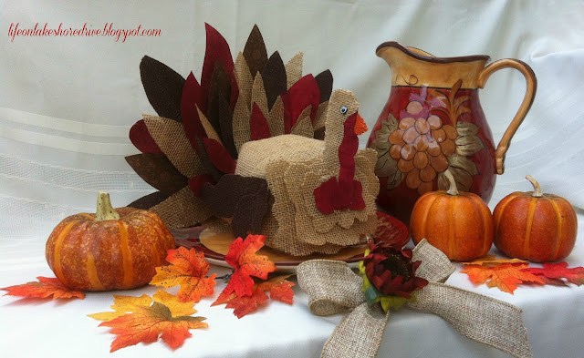 "alt=""burlap and fabric turkey using fabric stiffener tutorial how-to"""