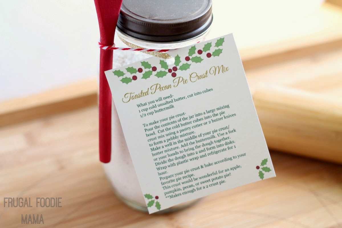 Toasted Pecan Pie Crust Mix Gift Jar with Free Printable Tag- an easy to make, delicious holiday gift!