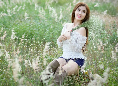 Hot Girl Linh Napie the local wind