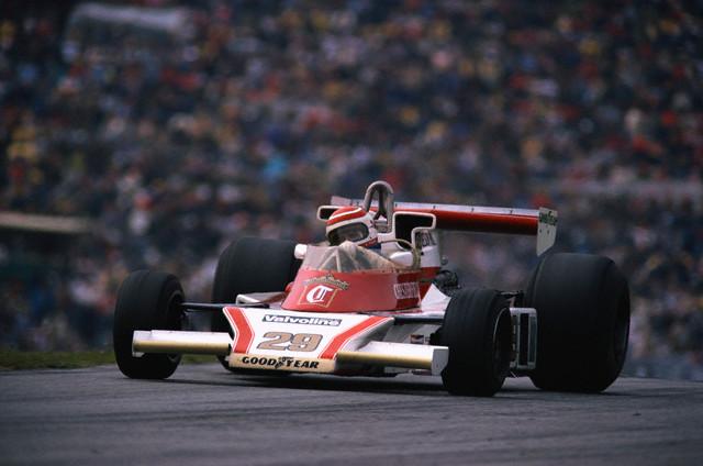 Nelson+Piquet-McLaren+M+23B-Equipe+BS+Fabrication.jpg