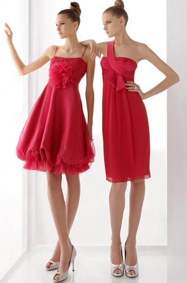 Finalmente, alguna muestra de vestidos de cortos de fiesta color rojo