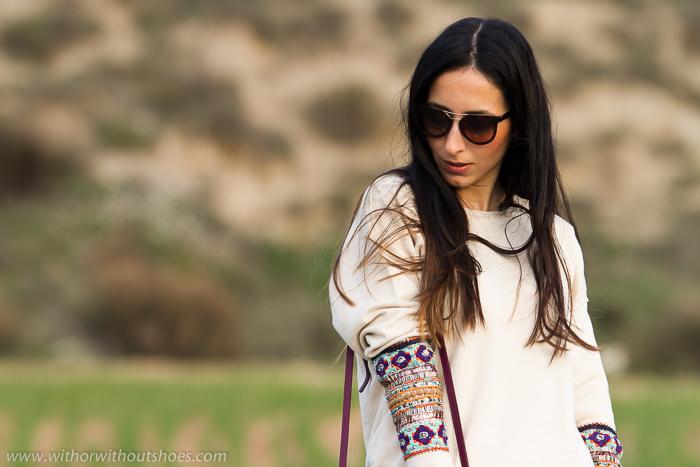 Look de blogger española con sudadera bordada de Zara y estilo deportivo