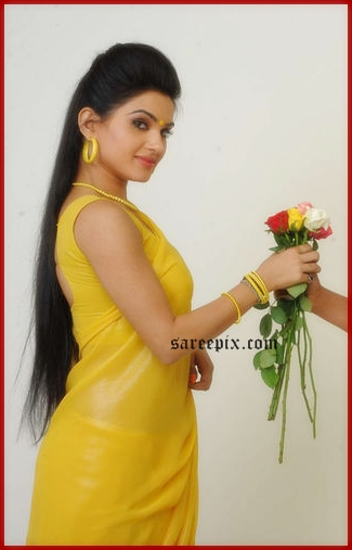 Kavya singh side view pic from Sorry teacher