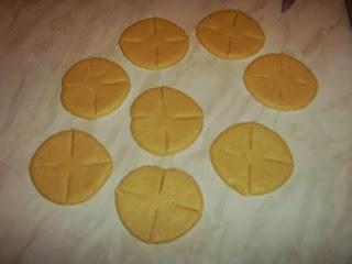 فطائر الوردات بالجبن سهلة ولذيذة بالصور