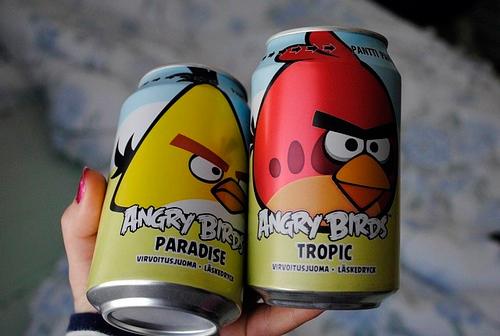 Unas latas de soda muy enojadas gracias a Angry Birds, pero son para geeks