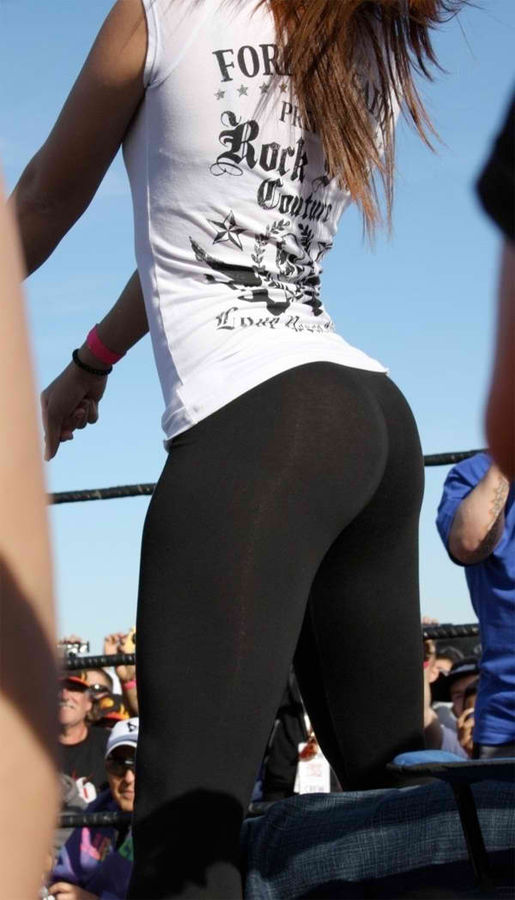 Awesome Girls In Yoga Pants (40 Pics)