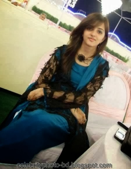 Deshi+girl+real+indianVillage+And+college+girl+Photos017