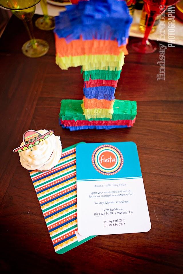 cupcake, invite, pinata