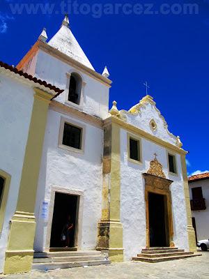 Fachada frontal da Igreja da Misericórdia, na Praça São Francisco, em São Cristóvão - Sergipe