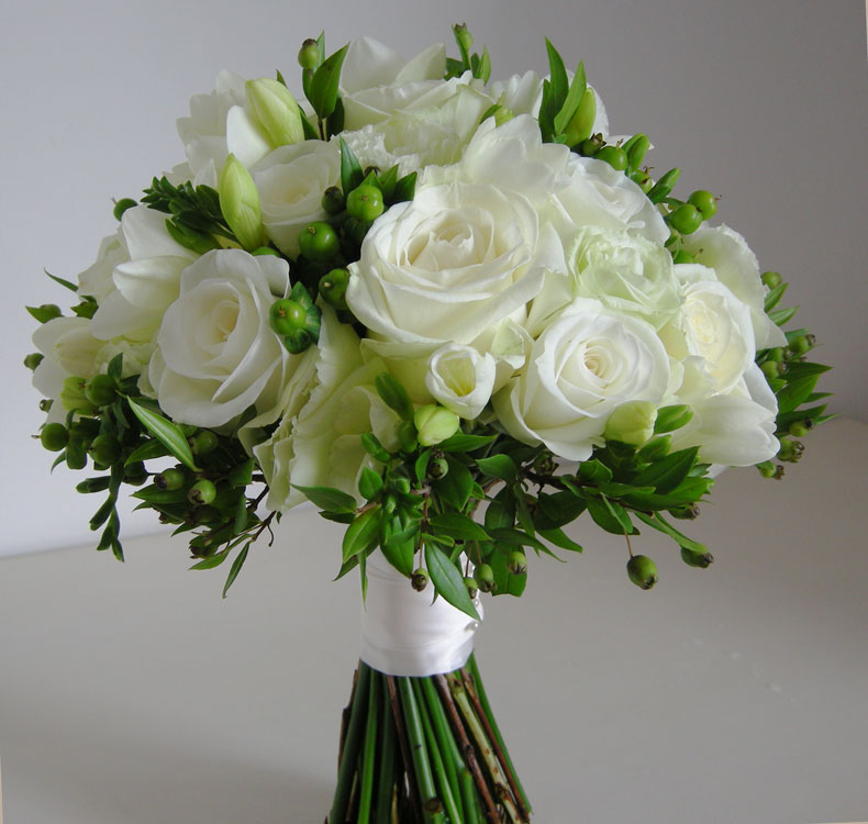 Funny pictures gallery white and green flowers wedding for Bridal flower bouquets ideas