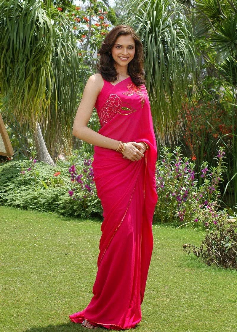 Deepika Padukone in Pink Saree Blouse tight nip slip wardrobe malfunction pics