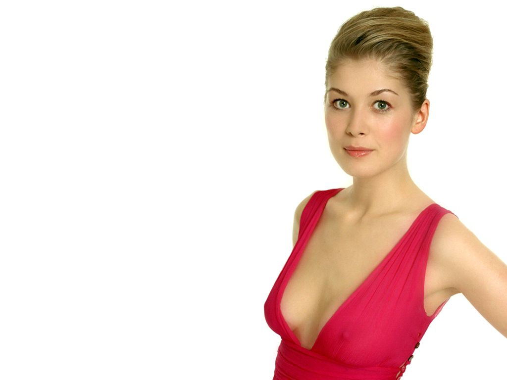 Rosamund Pike Was Asked to 'Drop' Her Dress During Audition for 'Die Another Day'