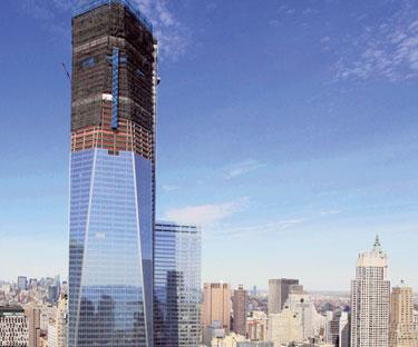 BANGUNAN One World Trade Centre di New York yang dirakamkan pada 17 April lalu.