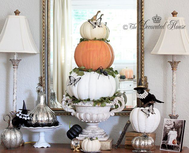 Elegant Black and White Halloween Decor ll The Decorated House Blog