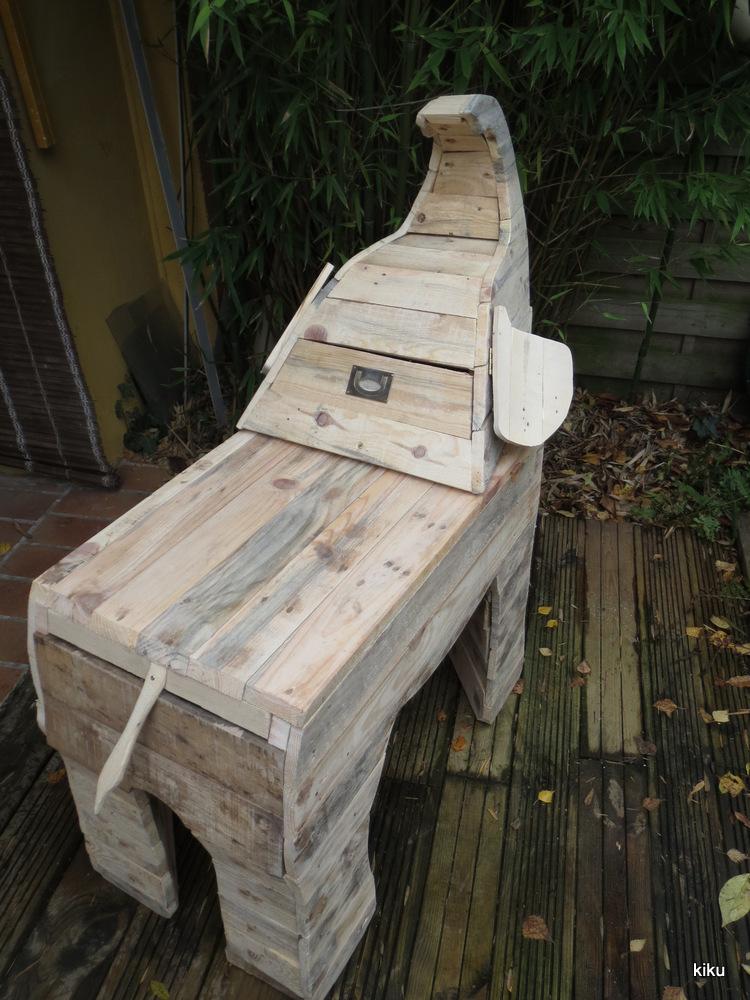 Bureau En Palette De Bois : atelier de Kiku: Bureau ?l?phanteau en bois de palette