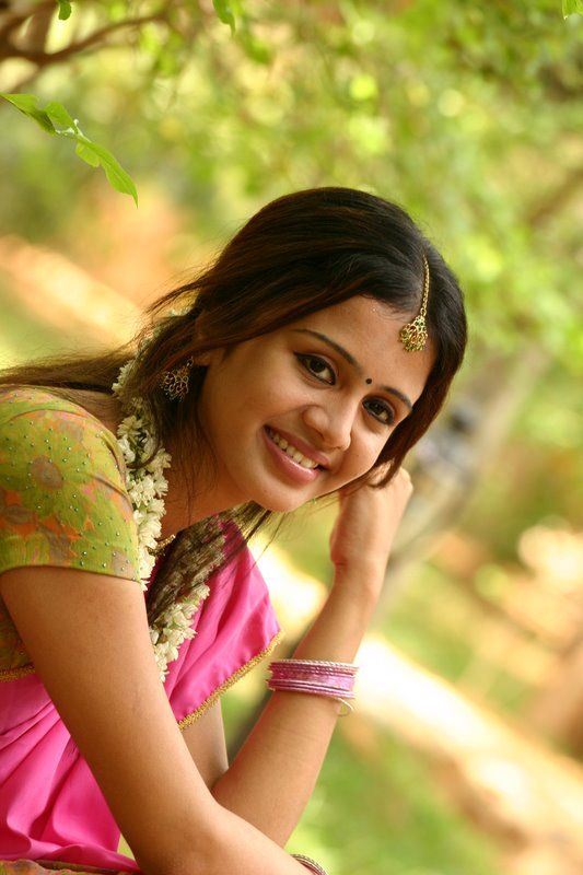 Tamil serial actress maheswari wedding  Ytyxeru
