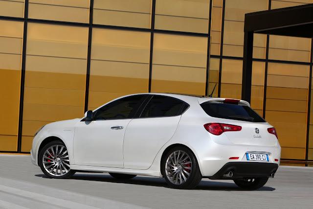 Alfa Romeo Giulietta bianca