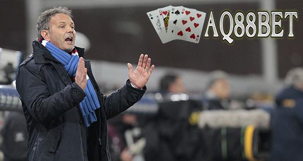 Bandar Bola - Sinisa Mihajlovic selangkah lagi menjadi pelatih AC Milan. Pelatih asal Serbia itu telah berada di Milan untuk bertemu presiden AC Milan, Silvio Berlusconi dan CEO AC Milan, Adriano Galliani menurut laporan Agen Bola Terpercaya AQ88bet