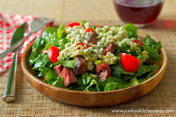 Blackened blue steak salad with coffee marinade: a healthy, hearty meal salad