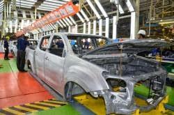 Isuzu Rakit Mobil Niaga Di Asia