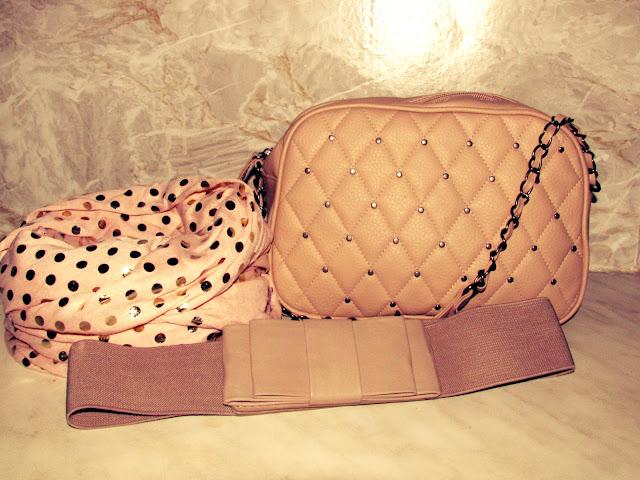Primark Haul Frankfurt Nordwestzentrum -  Madame Keke Fashion & Style Blog - Creme Set of Quilted Handbag, Bow Belt & Metallic Polka Dot Scarf