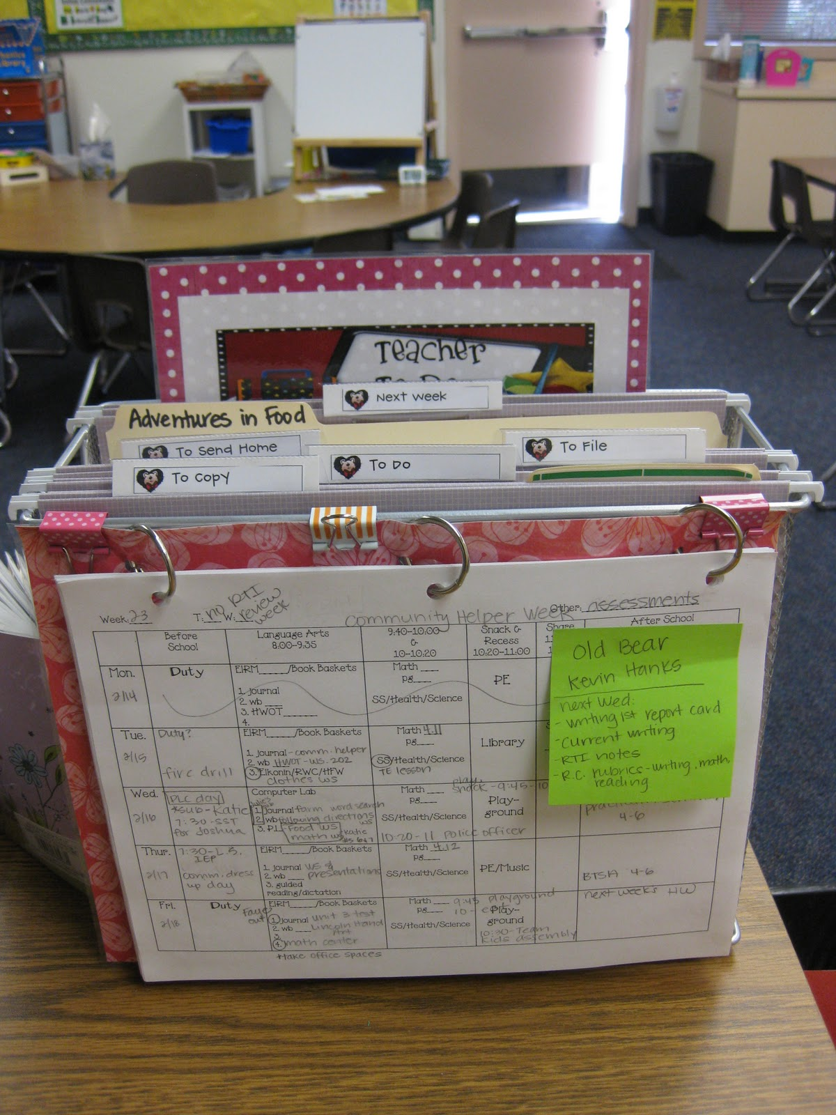 Tabletop Organizer Miss Kindergarten