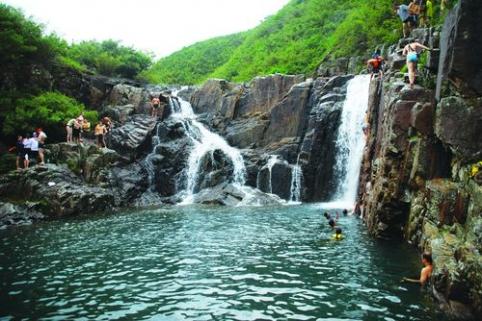 infinity pool lantau. Cheung Sha, Lantau Island (beach) Infinity Pool