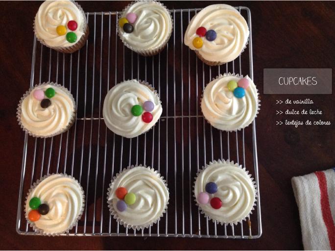 Cupcakes rellenos de dulce de leche y lentejas de chocolate