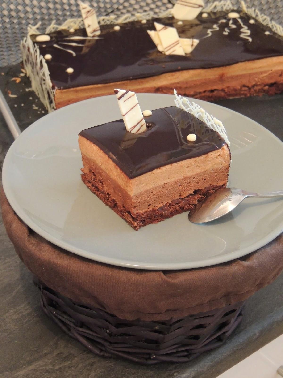 Gateau au chocolat et croustillant praline