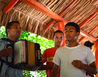 Una excelente interpretación de El Cantor de Fonseca,¡en Fonseca!.Ruta del Vallenato. La Guajira.