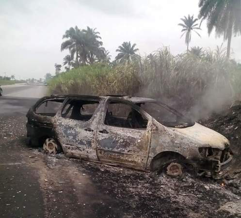 Graphic Photos: Man Burnt To Death In Fatal Car Accident Along PH Expressway