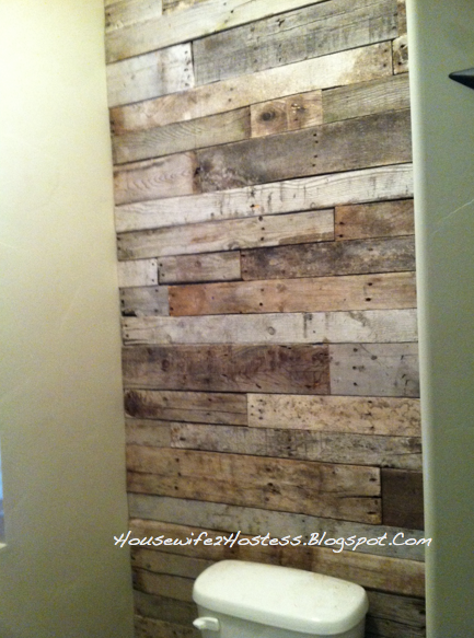 Pallet accent wall housewife2hostess for Pallet shower wall