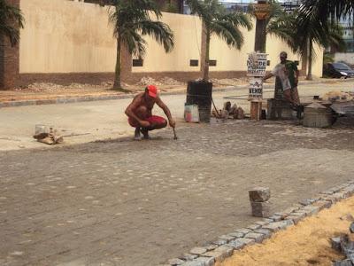 Pavimentação da Rua Mar Salgado, em Intermares