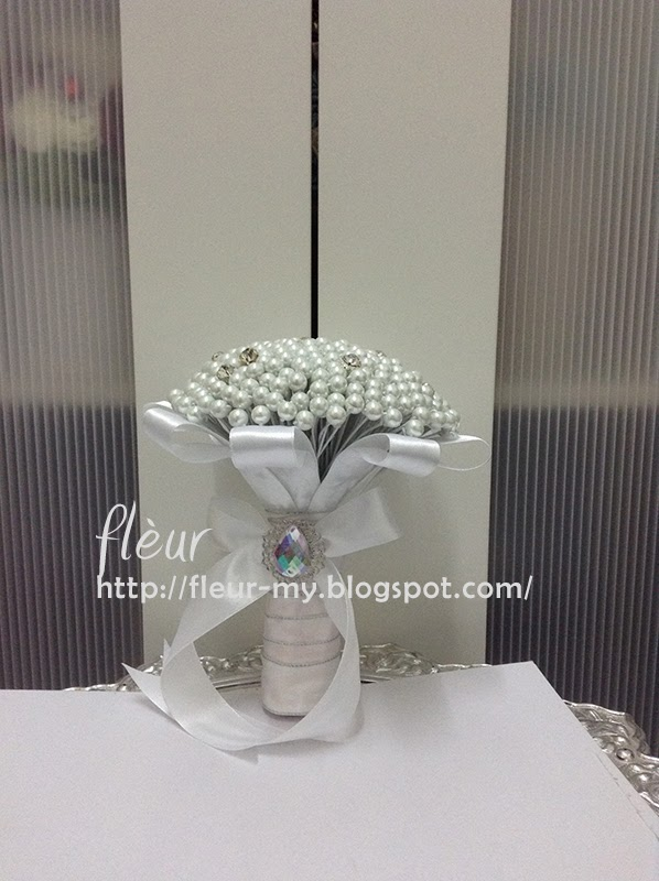 Pearl and Rhinestone Bouquet by Fleur