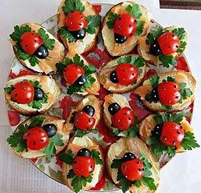 Como decorar aperitivos para festa de Natal - joaninhas