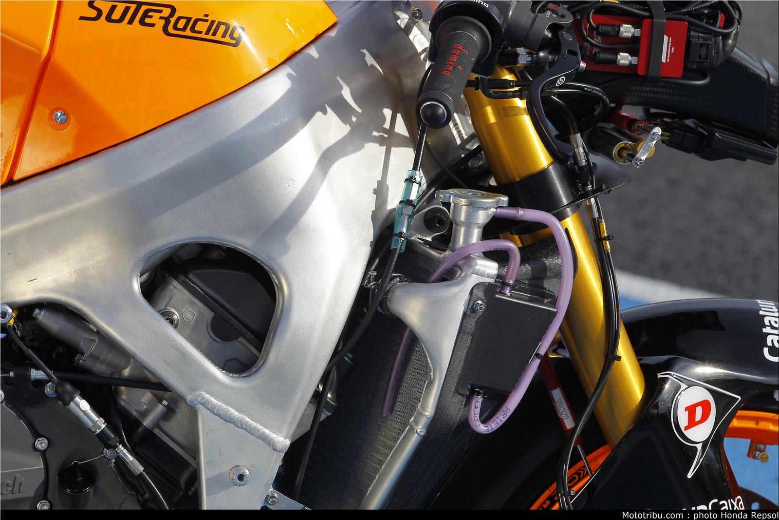Machines de courses ( Race bikes ) - Page 7 Suter%2BMMX%2BMarquez%2B2011%2B10