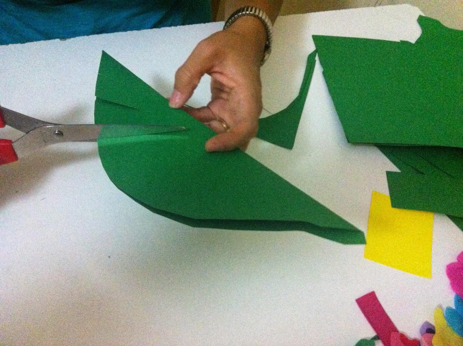 C mo se hace paso a paso decoraci n fiesta hawaiana - Como decorar una servilleta de papel ...
