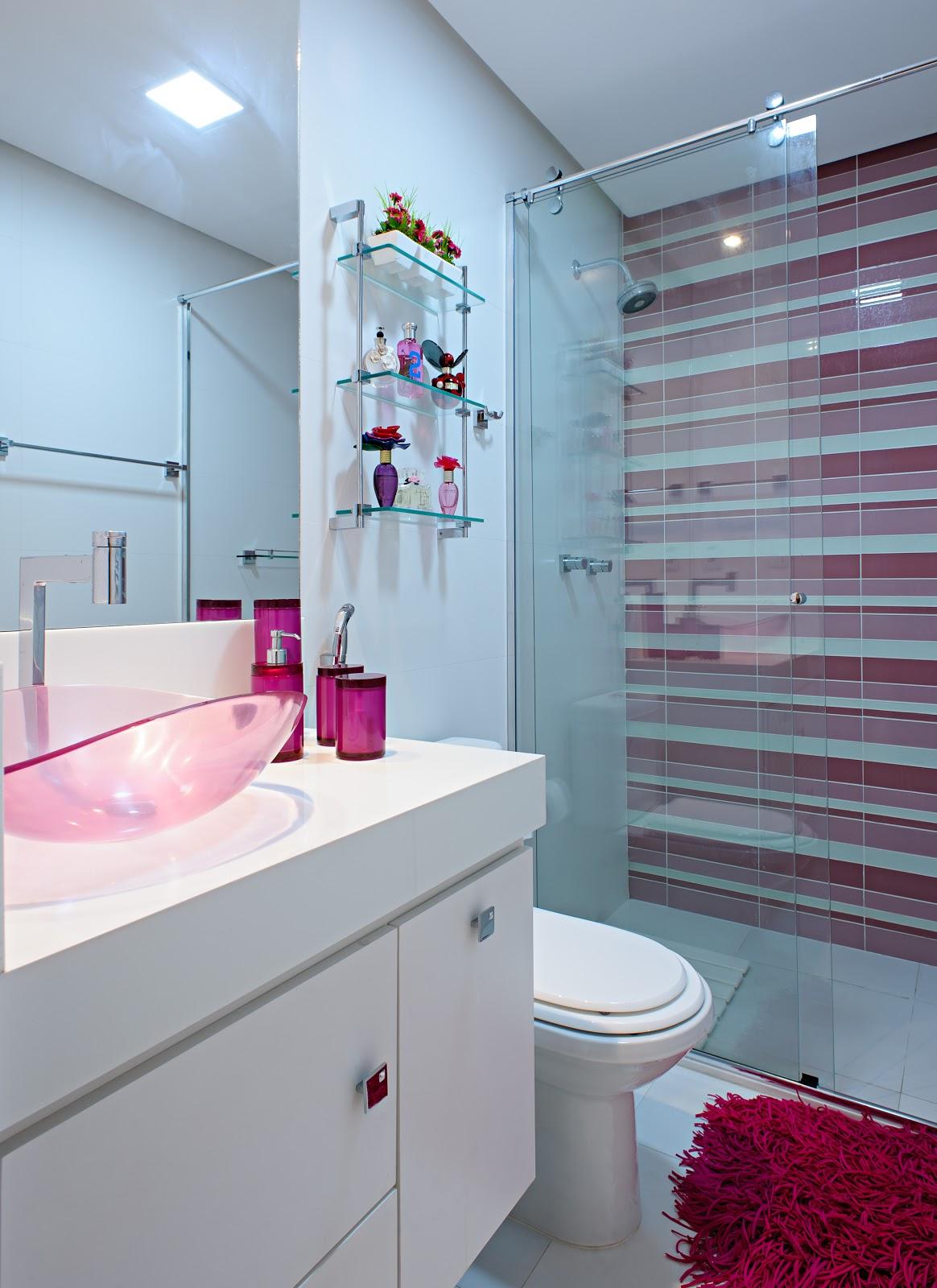 Para uma garota Banheiro Pink e branco pastilhas de vidro  #6A1434 1164x1600 Amarelo No Banheiro