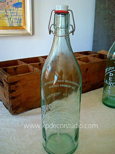 Colección de botellas de cristal antiguas de espumosos, refrescos, cervezas en valencia y madrid