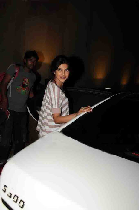priyanka chopra without makeup latest photos