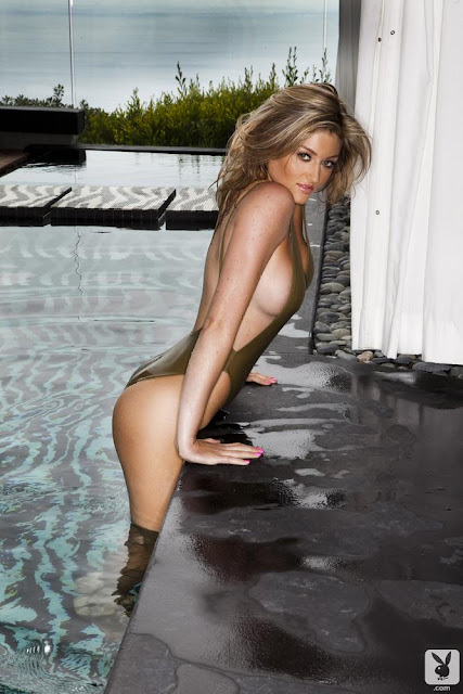 Katie Vernola Sexy in Bikini